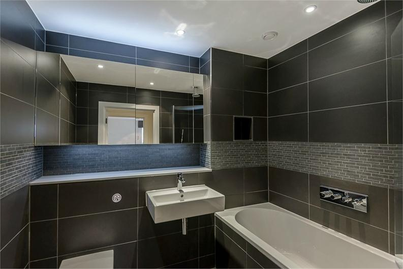 1 bedroom(s) apartment to sale in Aitons House, Pump House Crescent, Brentford, Greater London-image 4