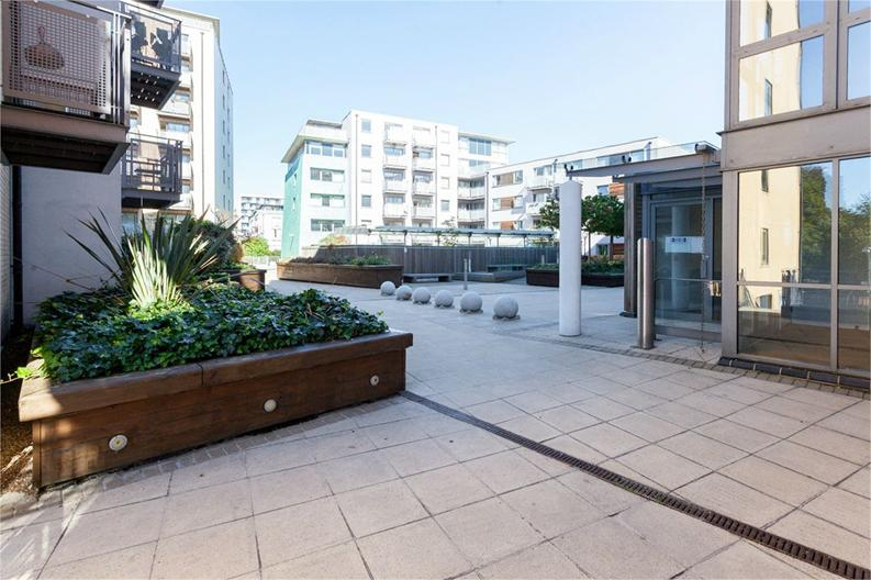 1 bedroom(s) apartment to sale in Alaska Building, Deals Gateway, London-image 8