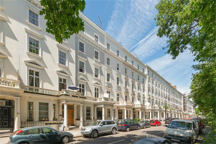St Georges Square,  Pimlico,  SW1V