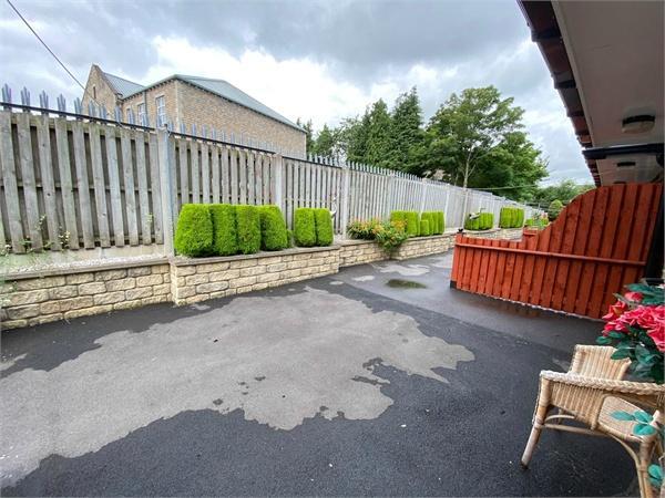 New Row, BINGLEY, West Yorkshire