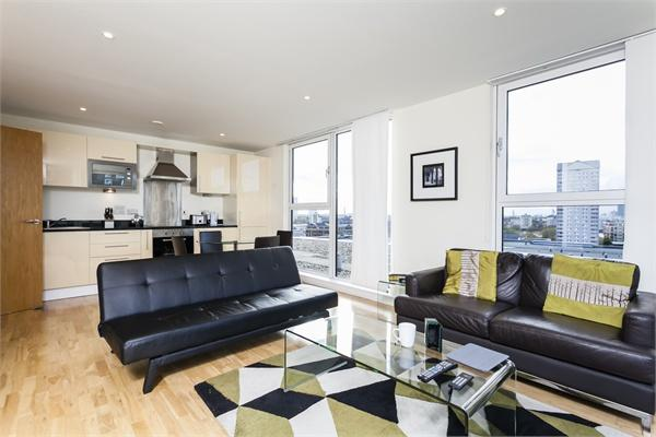 20 Lanterns Way property for sale. Ref No: 13184628. Picture no 2