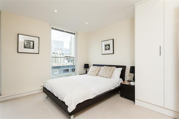 20 Lanterns Way property for sale. Ref No: 13184628. Picture no 6
