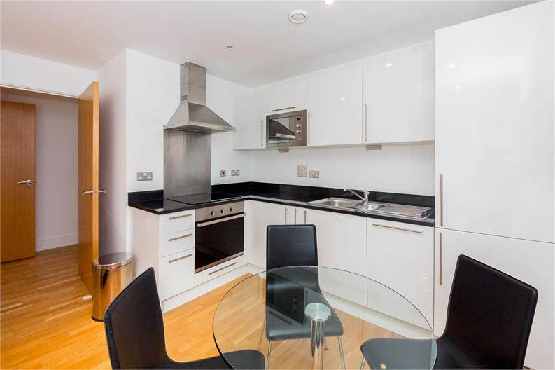 1 bedroom(s) apartment to sale in Cobalt Point, 38 Millharbour, London-image 2