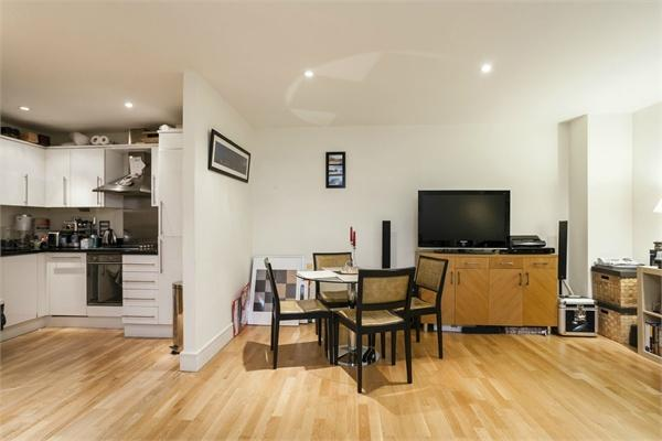 Westminster property for sale. Ref No: 13184690. Picture no 2