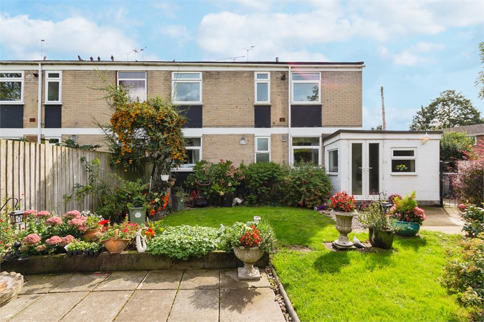 SHARE OF FREEHOLD WITH PRIVATE GARDEN! Two double bed first floor maisonette offered as refurbished