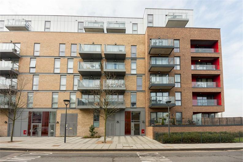Studio apartment to sale in Mellor House, 57 Upper North Street, London-image 4