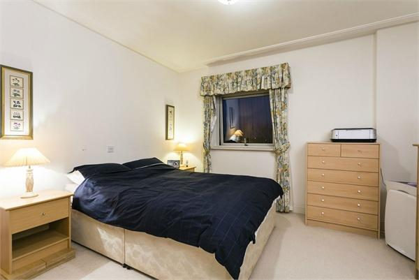 St Johns Wood property for sale. Ref No: 13184696. Picture no 4