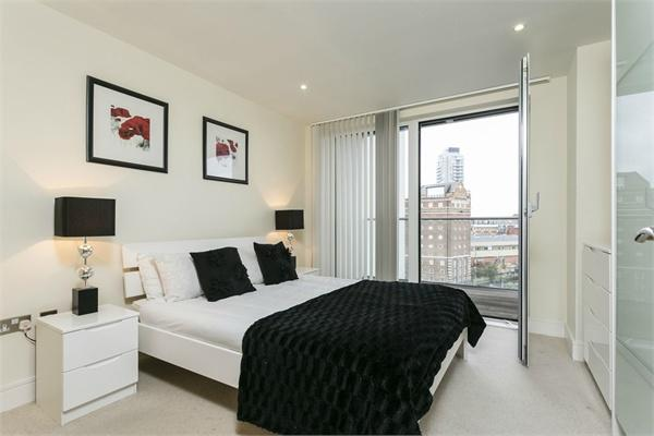 Greenwich High Road property for sale. Ref No: 13184519. Picture no 4