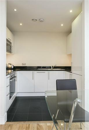 Greenwich High Road property for sale. Ref No: 13184519. Picture no 5